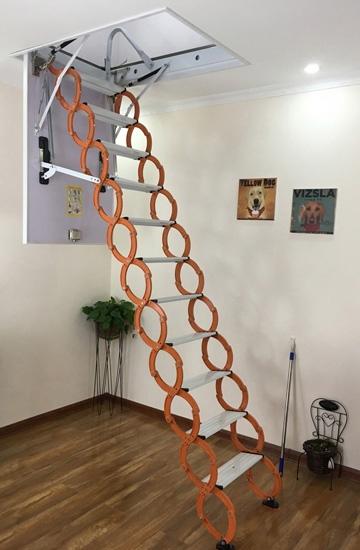 家用阁楼伸缩楼梯的具体使用方法